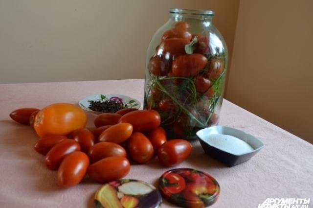 Для засолки отбираем самые красивые плоды.