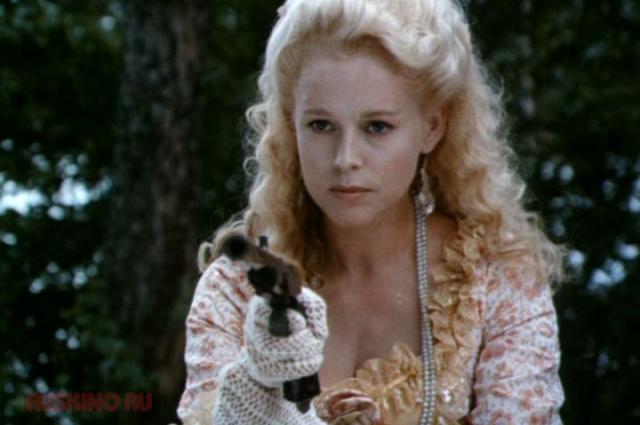 Елена снялась более чем в 40 фильмах.