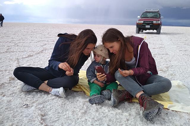 Сфотографироваться с малышом Германом хотели многие.