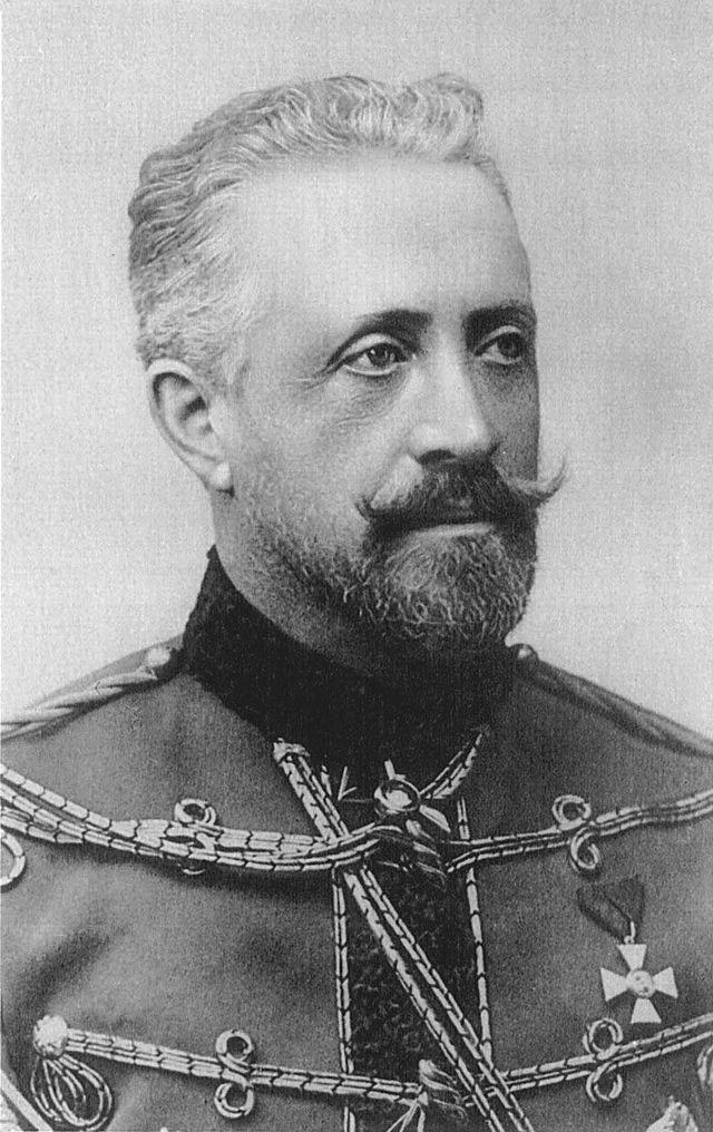 Николай Николаевич Романов (младший) в форме лейб-гвардии гусарского полка