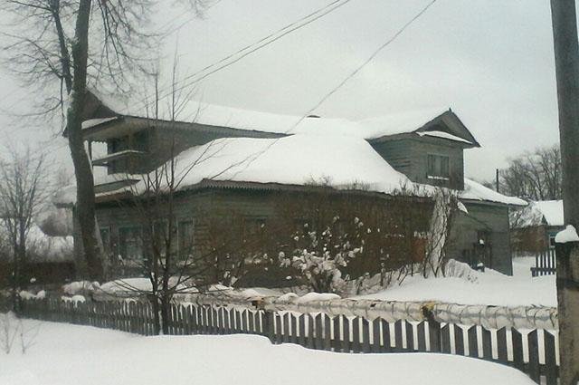 Этот дом предлагали новоиспеченным родителям: большой, но старый и находится в 15 км от цивилизации.