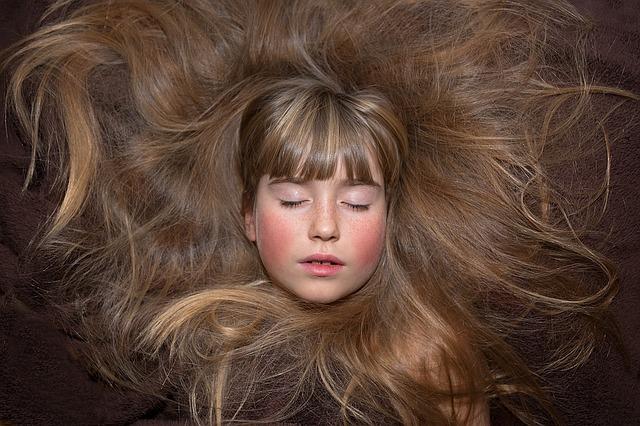 Блестящие и здоровые волосы - индикатор здоровья человека.