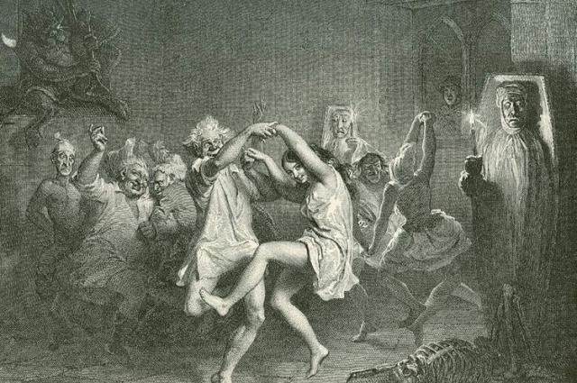 У славян основными умениями ведьм считались: способность к вредительству, умение отбирать молоко у коров, насылать болезни и  засуху.