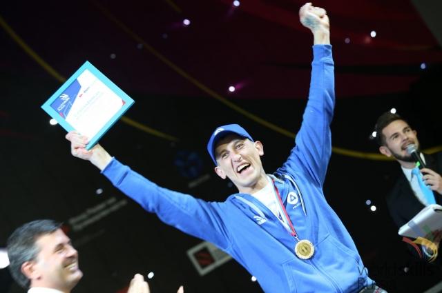 Александр Дуймамет год назад получил миллион рублей, став лучшим сварщиком России-2015.