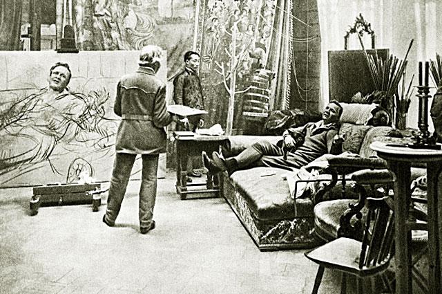 Илья Репин пишет портрет Федора Шаляпина. 1914 год