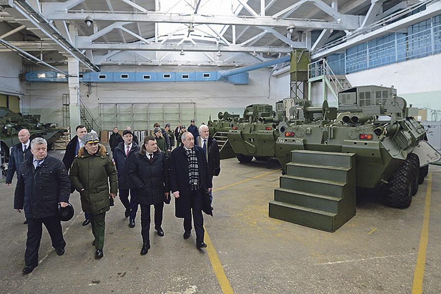 Во время визита в Тамбов замминистра обороны Юрий Борисов посетил производство завода «Октябрь».