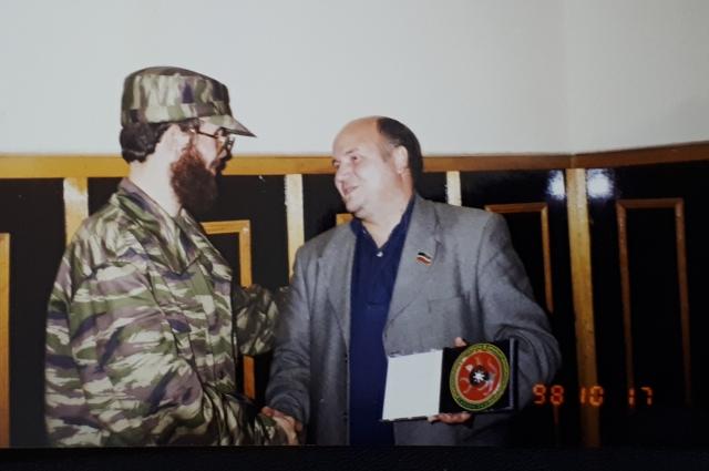 С Салманом Радуевым.
