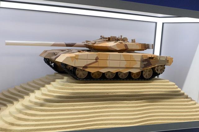 Макет российского танка Т-90МС на международной выставке вооружений IDEX-2019 в Абу-Даби.