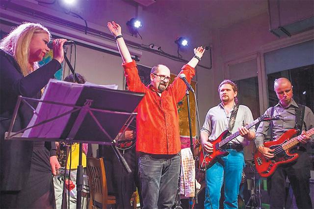 Концерты Ложкина в «Рюмочной Зюзино» всегда пользуются успехом у публики.