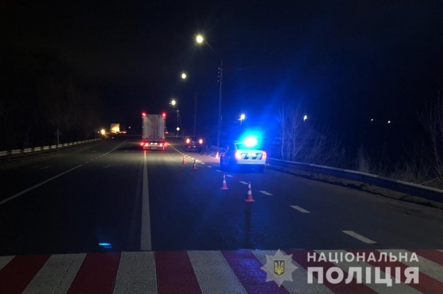 Дорожно-транспортное происшествие случилось 25 февраля около 20:00 на 192 км автодороги Выступовичи-Житомир-Могилев-Подольский
