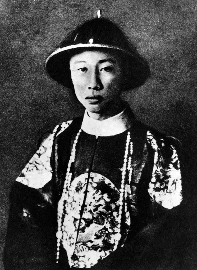 Пу И в 1922 году.