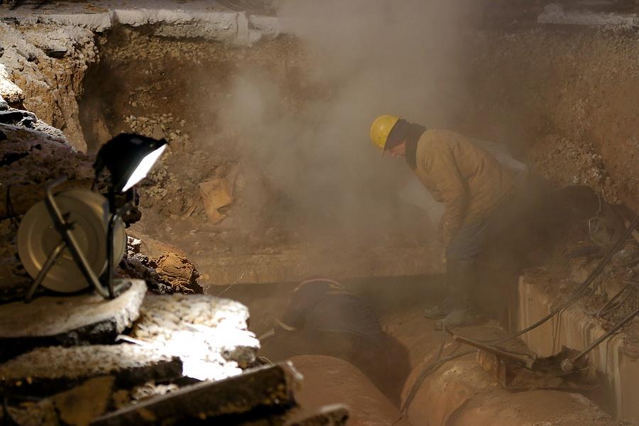 Теплосети в Смоленске настолько изношены, что решить проблемы силами одних энергетиков уже давно нельзя.