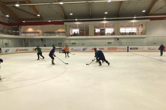 Игроки уже соскучились по льду.