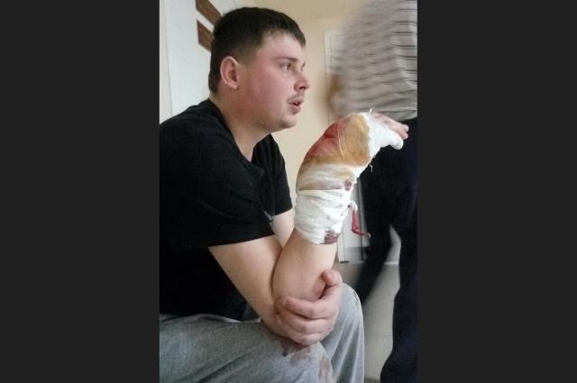 После хирургического вмешательства в больнице Новороссийска рана Евгения сильно кровоточила.
