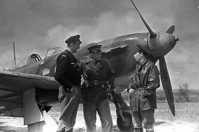 Летчики легендарной французской эскадрильи.