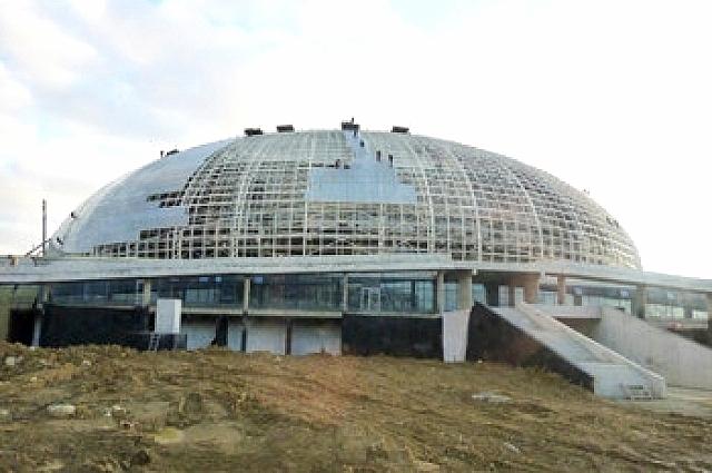 Начало строительства ледовой арены, 2010 год.