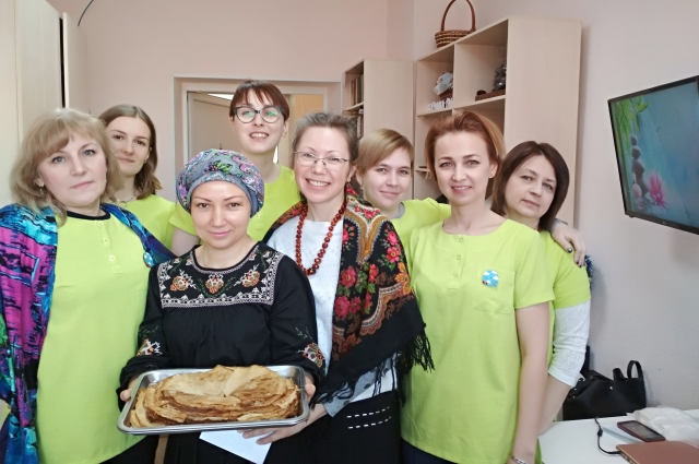 Волонтёры фонда организовали для подопечных Масленицу