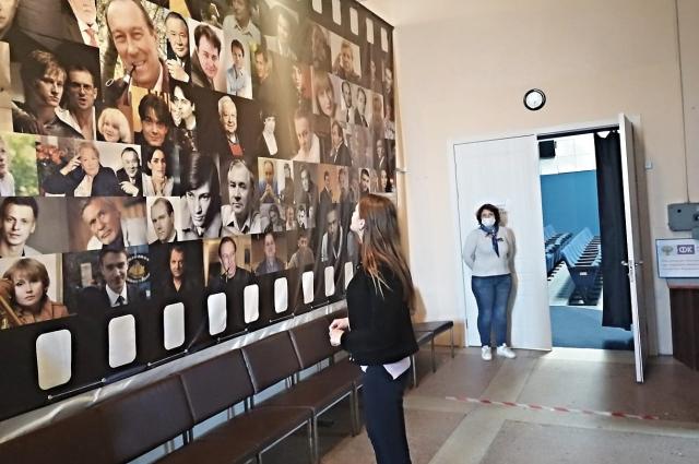 В Питерском районе в фойе кинотеатра сделан музей.
