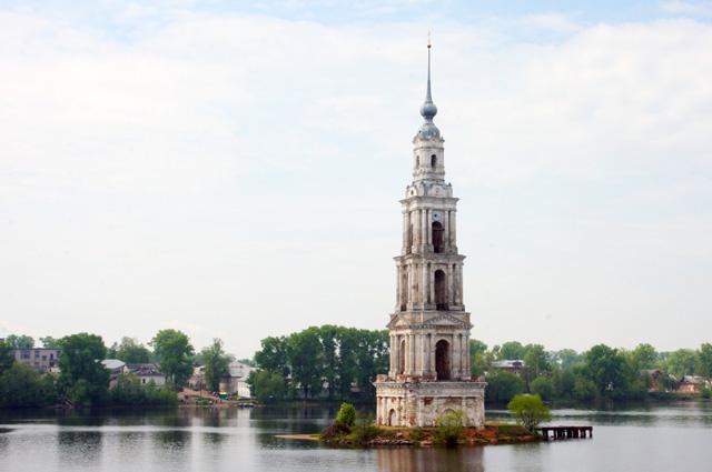 Город Калязин. Колокольня Николаевского собора.