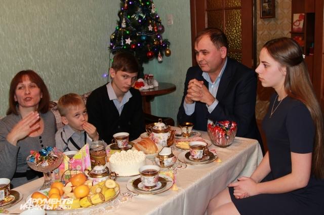 Семья Аришиных из Азова встречает Новый год в тесном кругу.