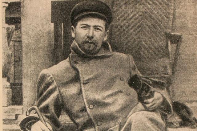 Антон Чехов в Мелихове с таксой Хиной (1897г.)