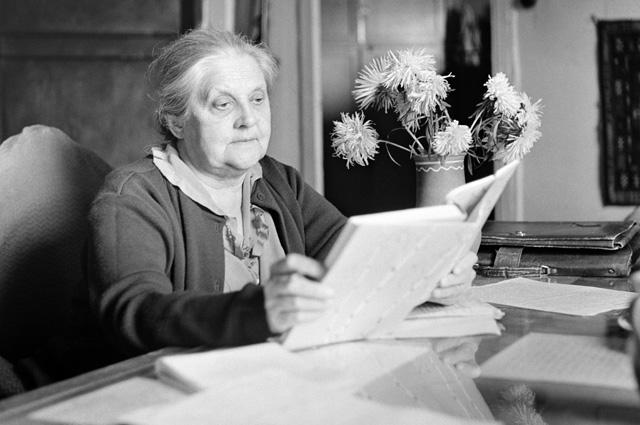 Валерия Дмитриевна - жена писателя Михаила Михайловича Пришвина в доме села Дунино Московской области.