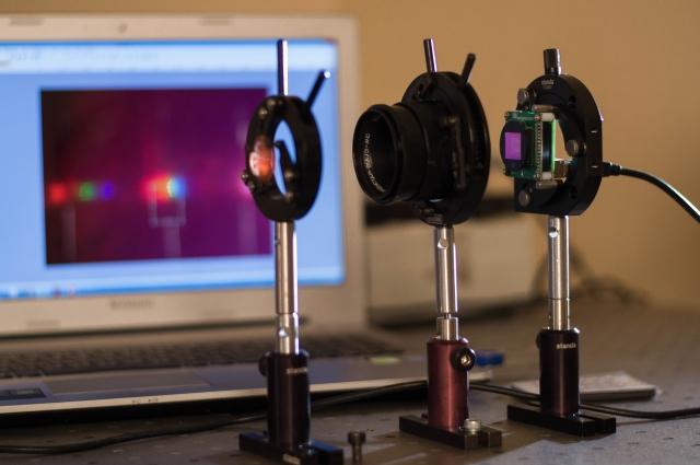 Анализатор позволяет узнать состав любого вещества.