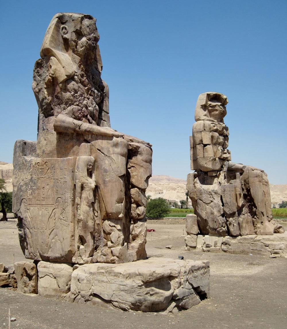 Статуи Аменхотепа III.