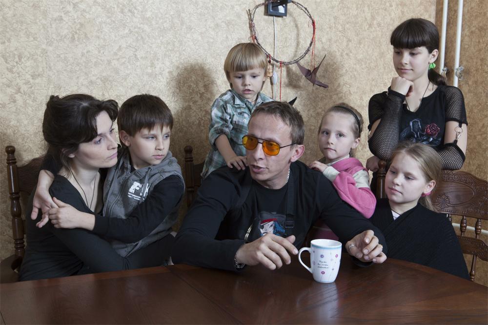 Иван Охлобыстин дома с семьей. 2017 г.