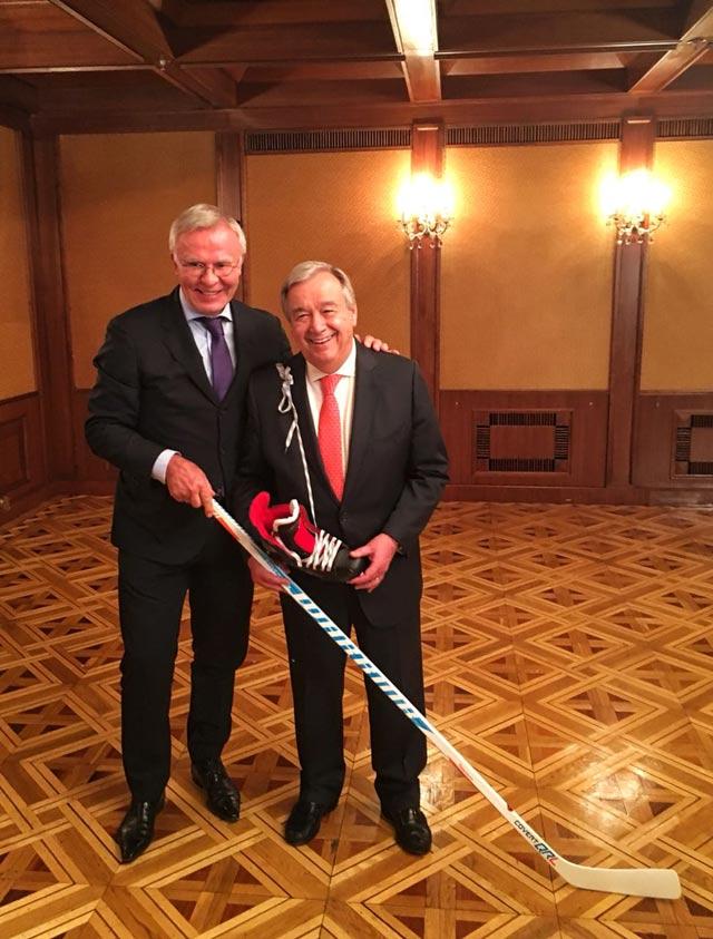Вячеслав Фетисов и Генеральный секретарь ООН Антониу Гутерреш.