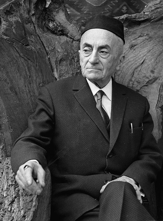 Грузинский писатель Константин Гамсахурдиа.