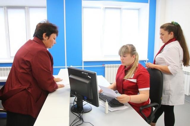 В обновленной поликлинике нет привычной регистратуры с окнами и очередями.
