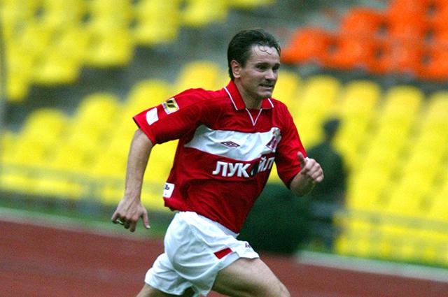 Дмитрий Аленичев в игре против Ростова, 2004 год