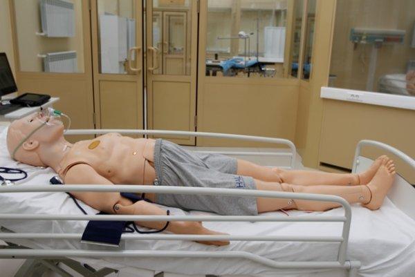медицинские манекены, симуляторы,