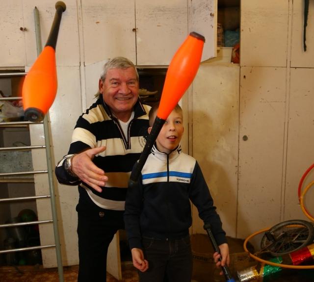Более 20 лет назад в Чебаркуле была открыта детская цирковая студия.