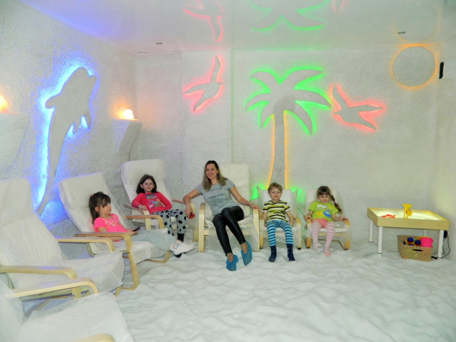 Сегодня соляные комнаты пользуются небывалой популярностью у горожан.