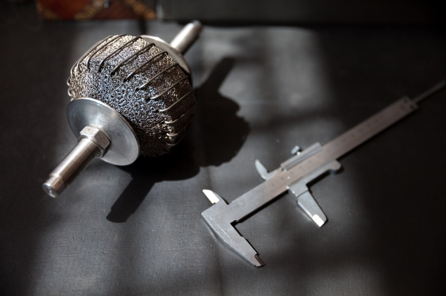 Скрученные стальные нити делают металлорезину чрезвычайно прочной.