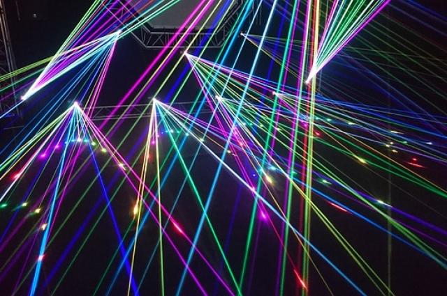 Петербуржцам покажут лазерное и световое шоу.