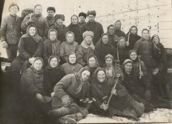 Когда мужчины ушли на войну, женщины заменили их на работе.