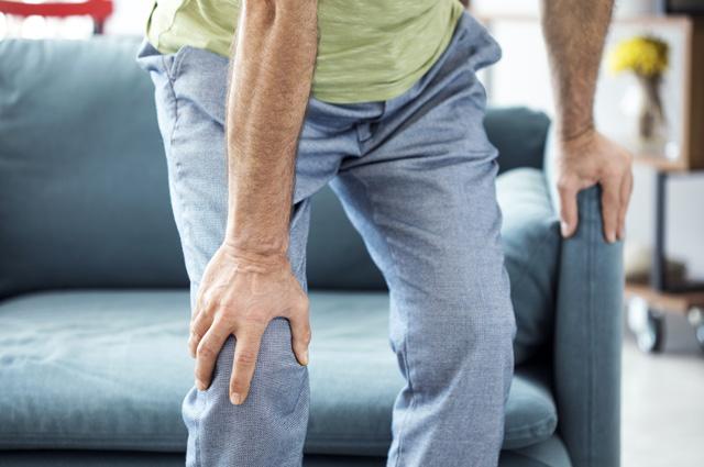 Боли в мышцах могут быть вызваны дефицитом витаминов.