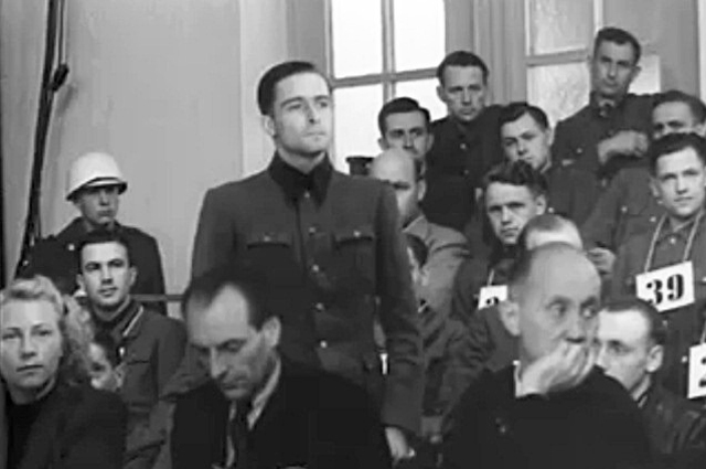 Йоахим Пайпер с переводчиком во время процесса Мальмеди в 1946 году