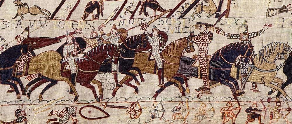 Нормандцы атакуют пеших англосаксов. «Гобелен из Байё», XI век.