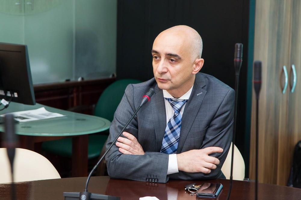 Дмитрий Карх