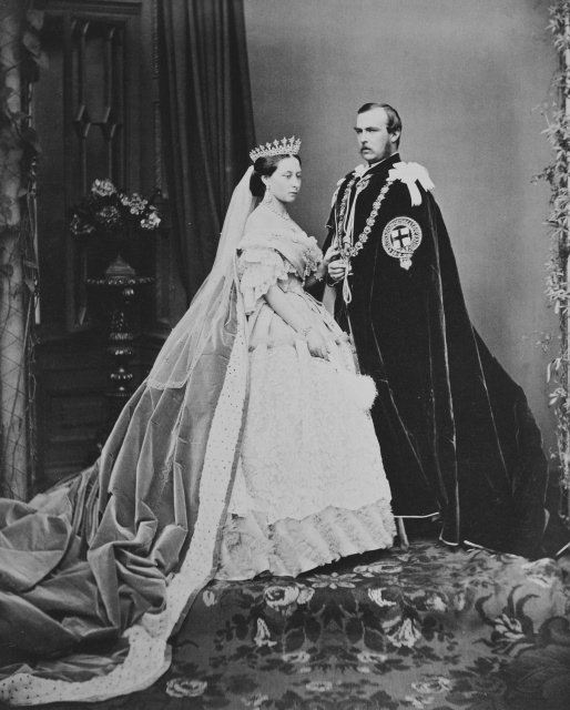 Церемония бракосочетания Людвига и принцессы Алисы состоялась в июле 1862 года.