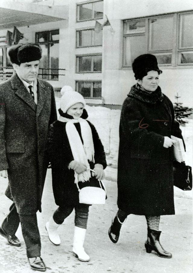 Владимир Комаров с женой и дочерью.