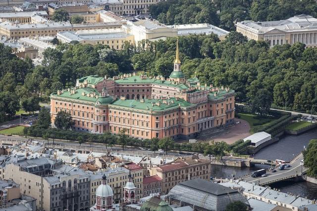 К 300-летнему юбилею Петербурга замок был отреставрирован