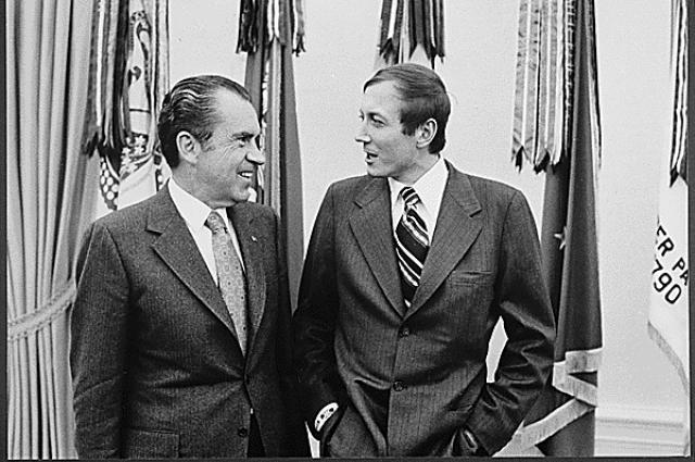 Евтушенко знали далеко за пределами СССР. С 37-м президентом США Р. Никсоном, 1972 год.