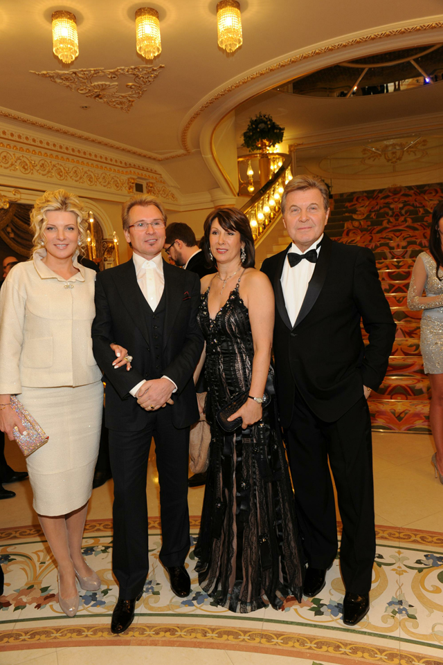 Александр Малинин и Лев Лещенко с супругами.