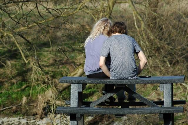 У молодых - особый взгляд на брак и семью.