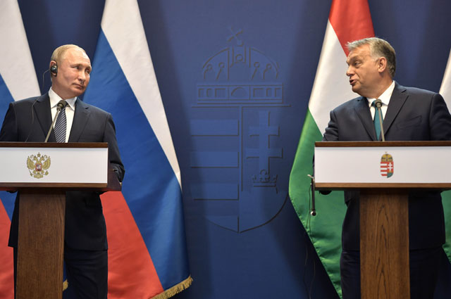 Президент РФ Владимир Путин и премьер-министр Венгрии Виктор Орбан во время совместной пресс-конференции по итогам встречи.